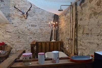 La chambre au bois salon